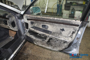 Audi s8 плесень на дверях